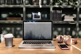 stock laptop cafe image